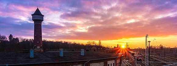 Sonnenuntergang am Bahnhof in Elstal