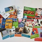 Foto von verschiedenen GJW-Publikationen